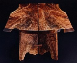 Natural detail with 'Walnut Flames' on another version of the Butterfly's Shadow Table by Michael Elkan